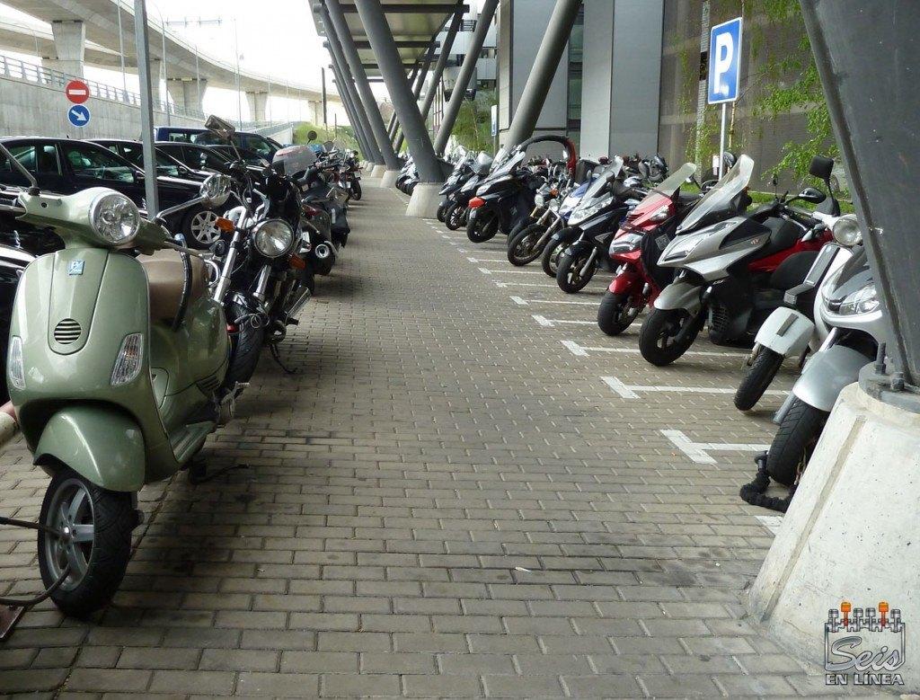 parking-motos-barajas-t4